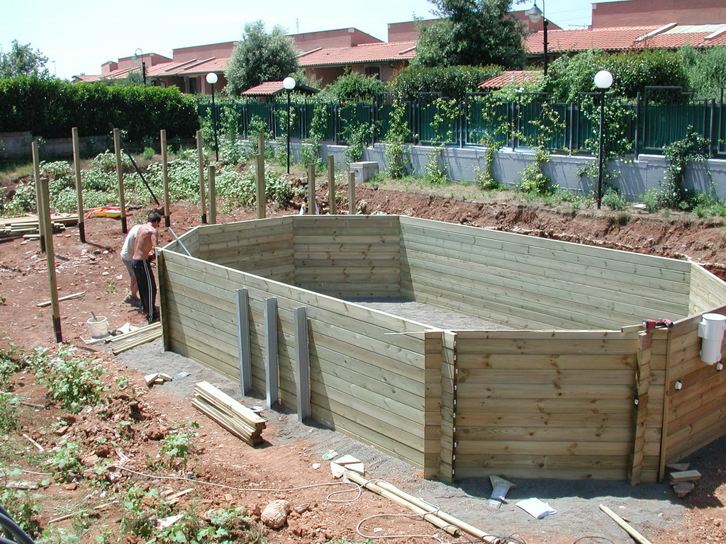 Piscina da giardino legno for Piscine in terra